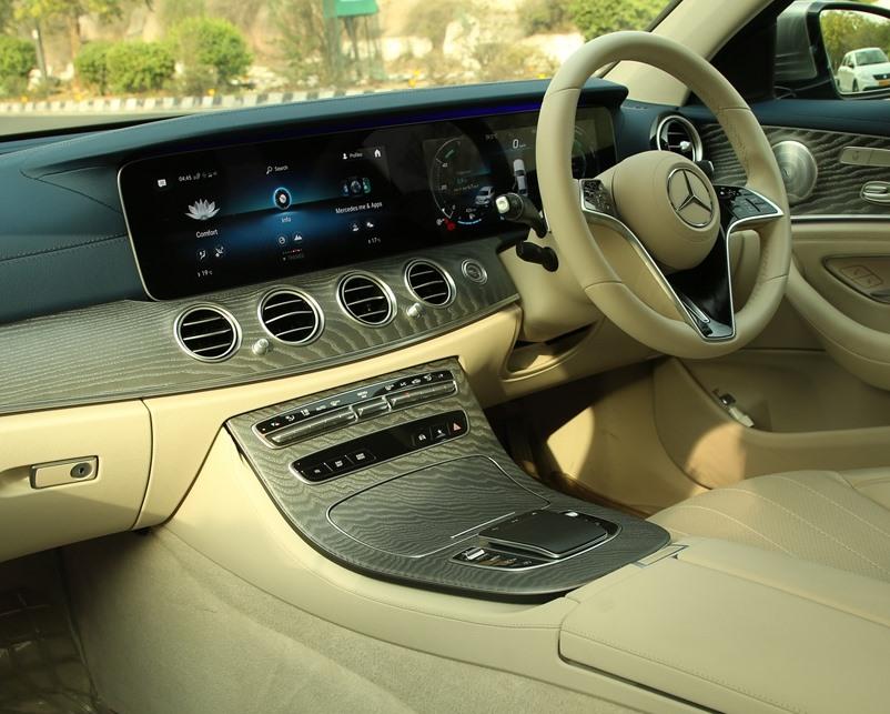 2021-mercedes-benz-e-class-interior-dashboard