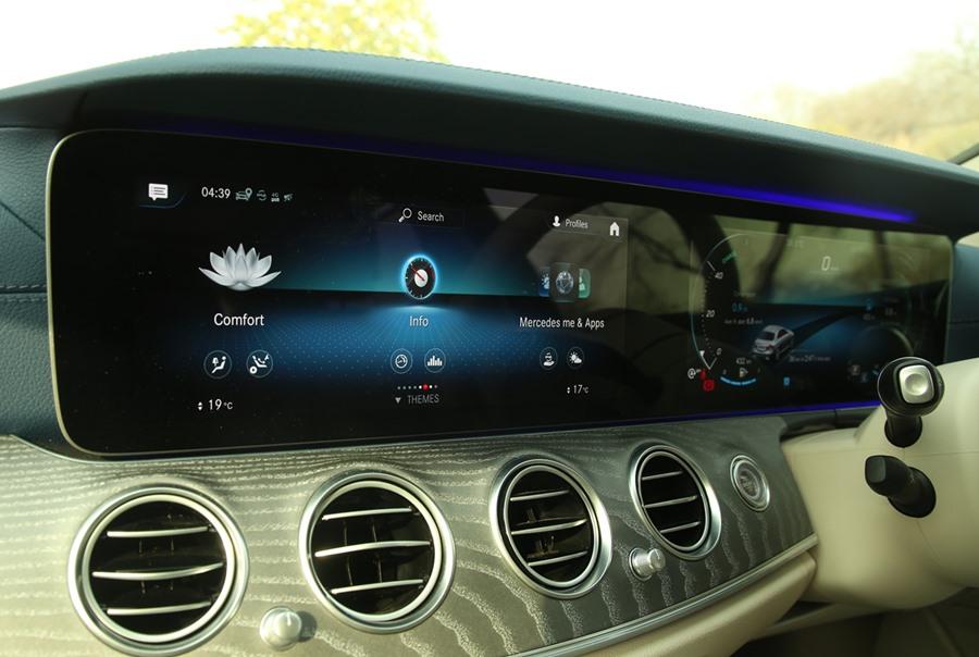 2021-mercedes-benz-e-class-interior-touch-screen-infotainment