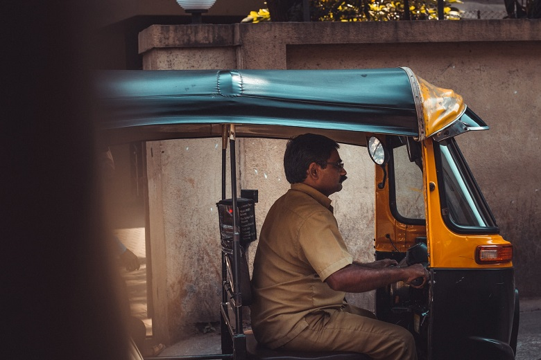 autorickshaw-safest-way-to-travel-pandemic-comparison