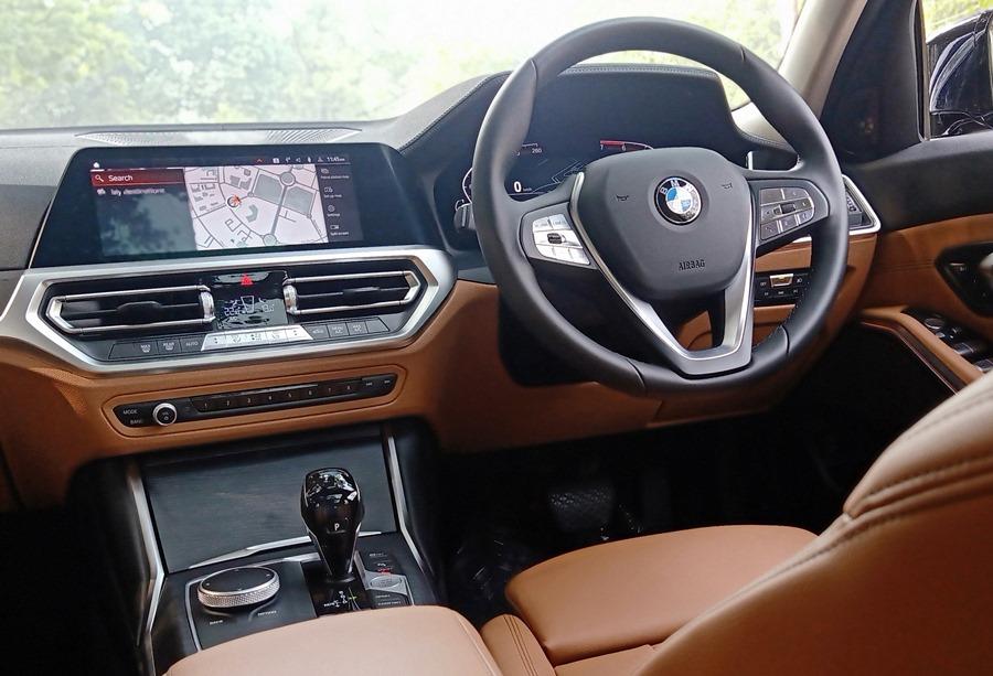 bmw-3-series-grand-limousine-interior-touchscreen-features-tech