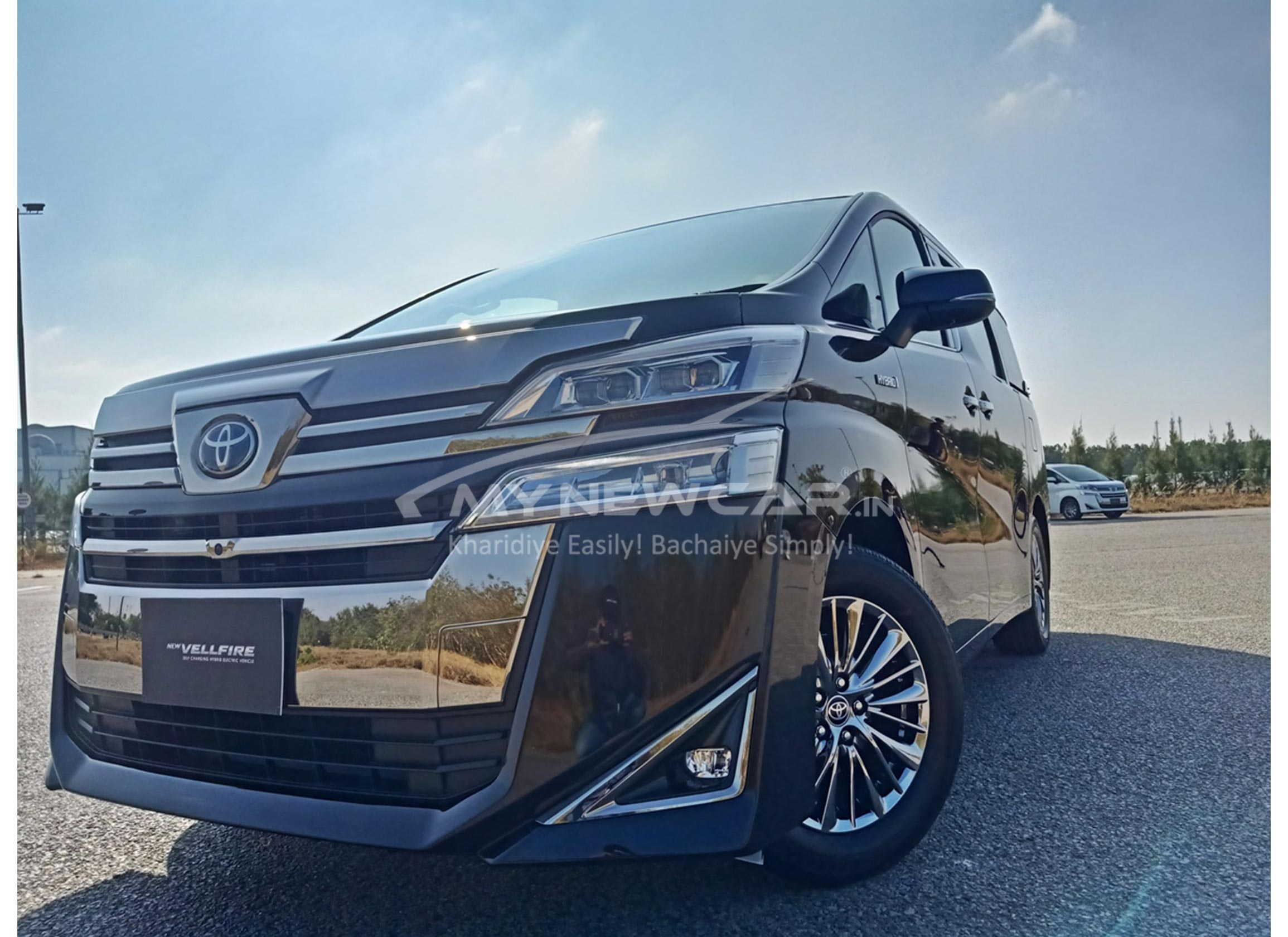 Toyota Vellfire India front look
