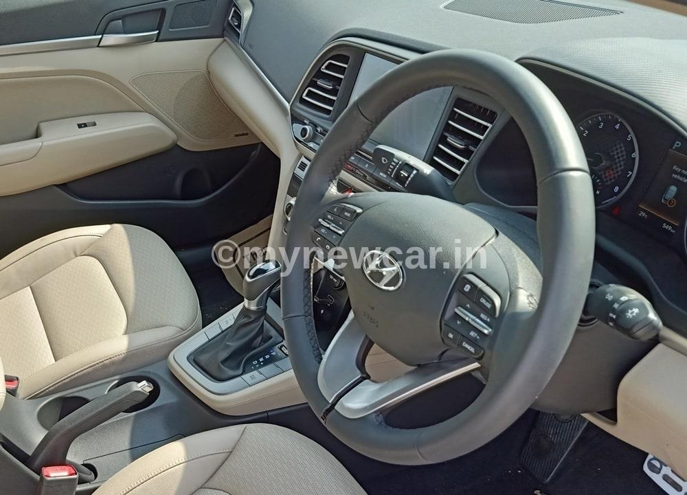 hyundai elantra bs6 diesel interior