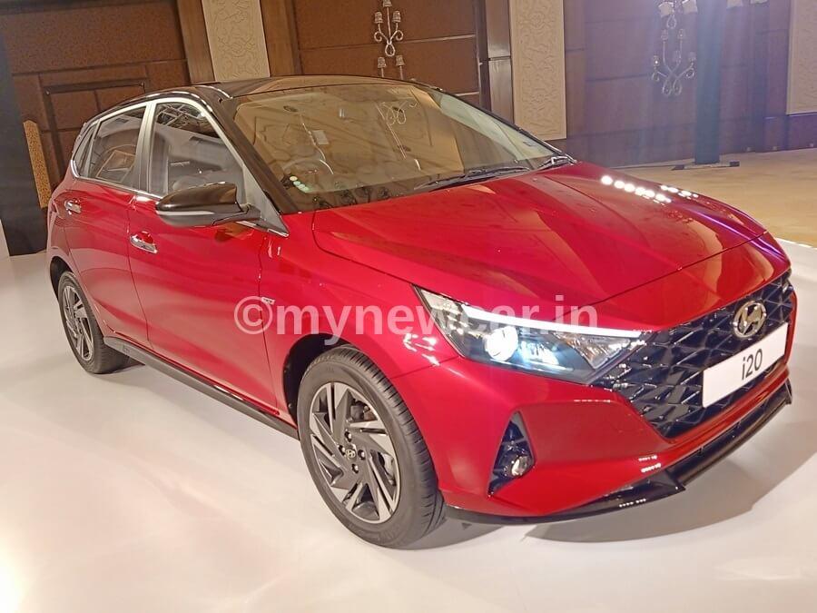 New Hyundai i20 vs Nissan Magnite Turbo