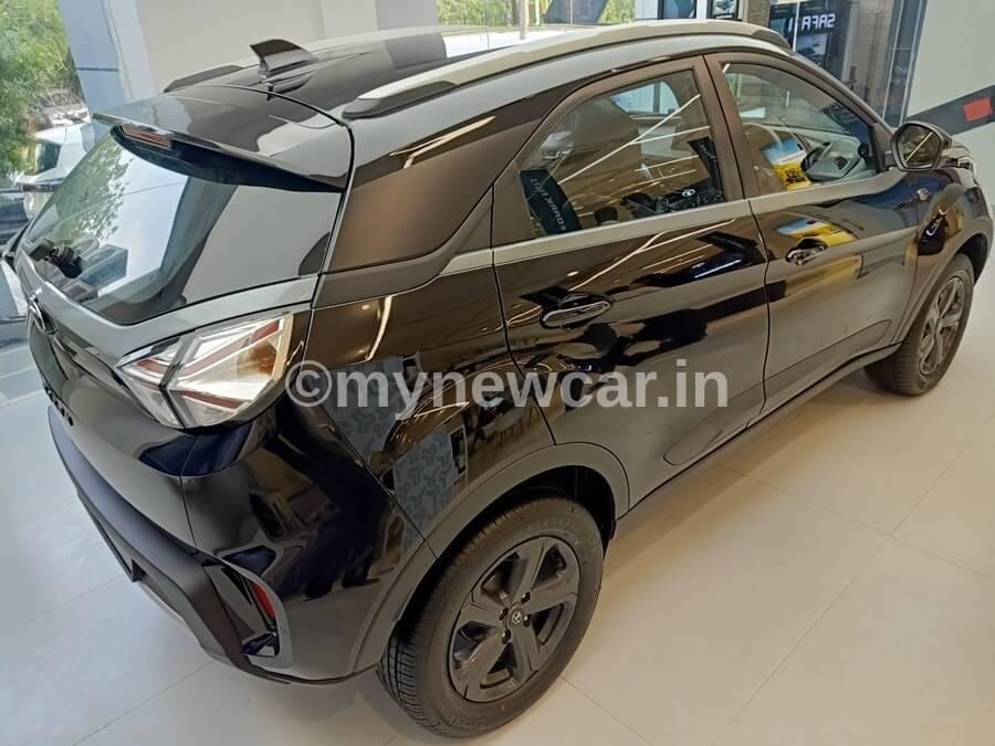 Tata Nexon and Nexon EV Dark first review, interior