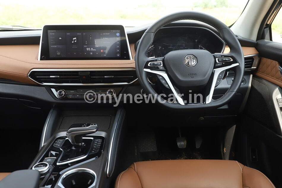 MG Gloster interior images and features review