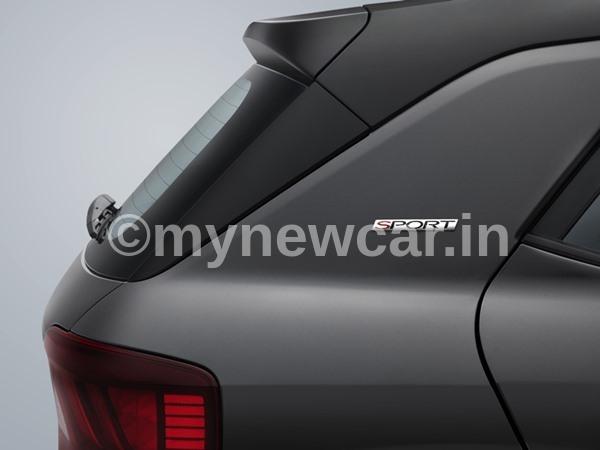 Hyundai Venue Sport exterior pics