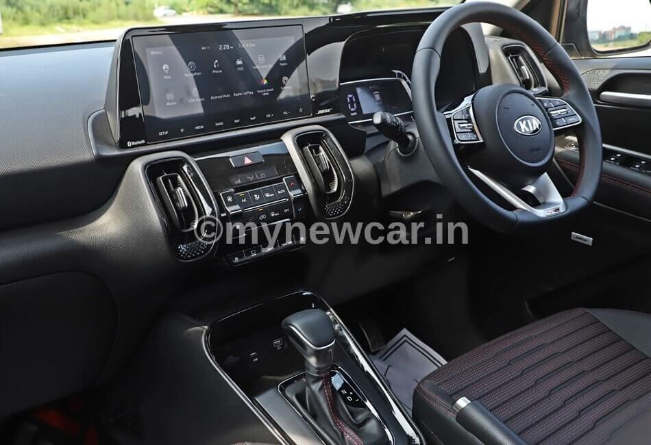 Kia Sonet diesel automatic car image