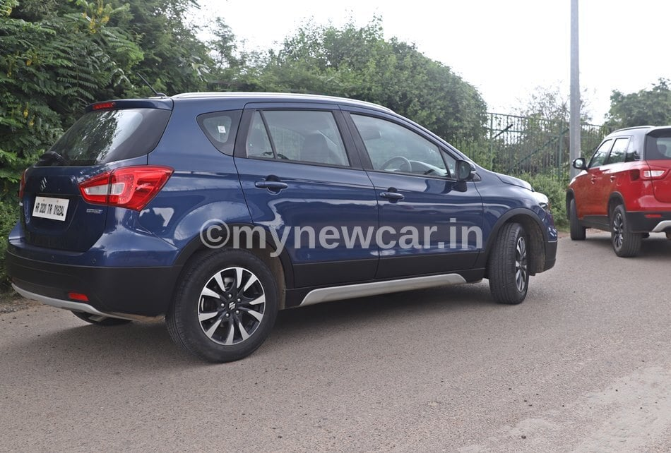maruti s-cross vs vitara brezza driving review