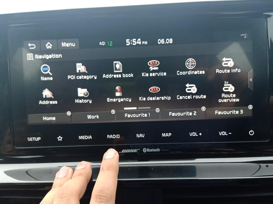 kia-seltos-touchscreen