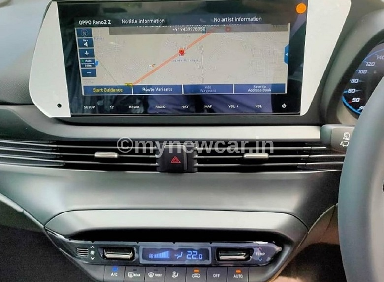 new-hyundai-i20-spotted-india-interior-infotainment-touchscreen-feature-mynewcar