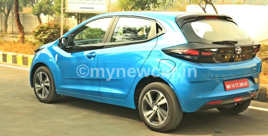 tata-altroz-iturbo-exterior-rear-blue