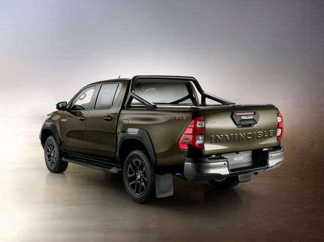 toyota hilux exterior rear view