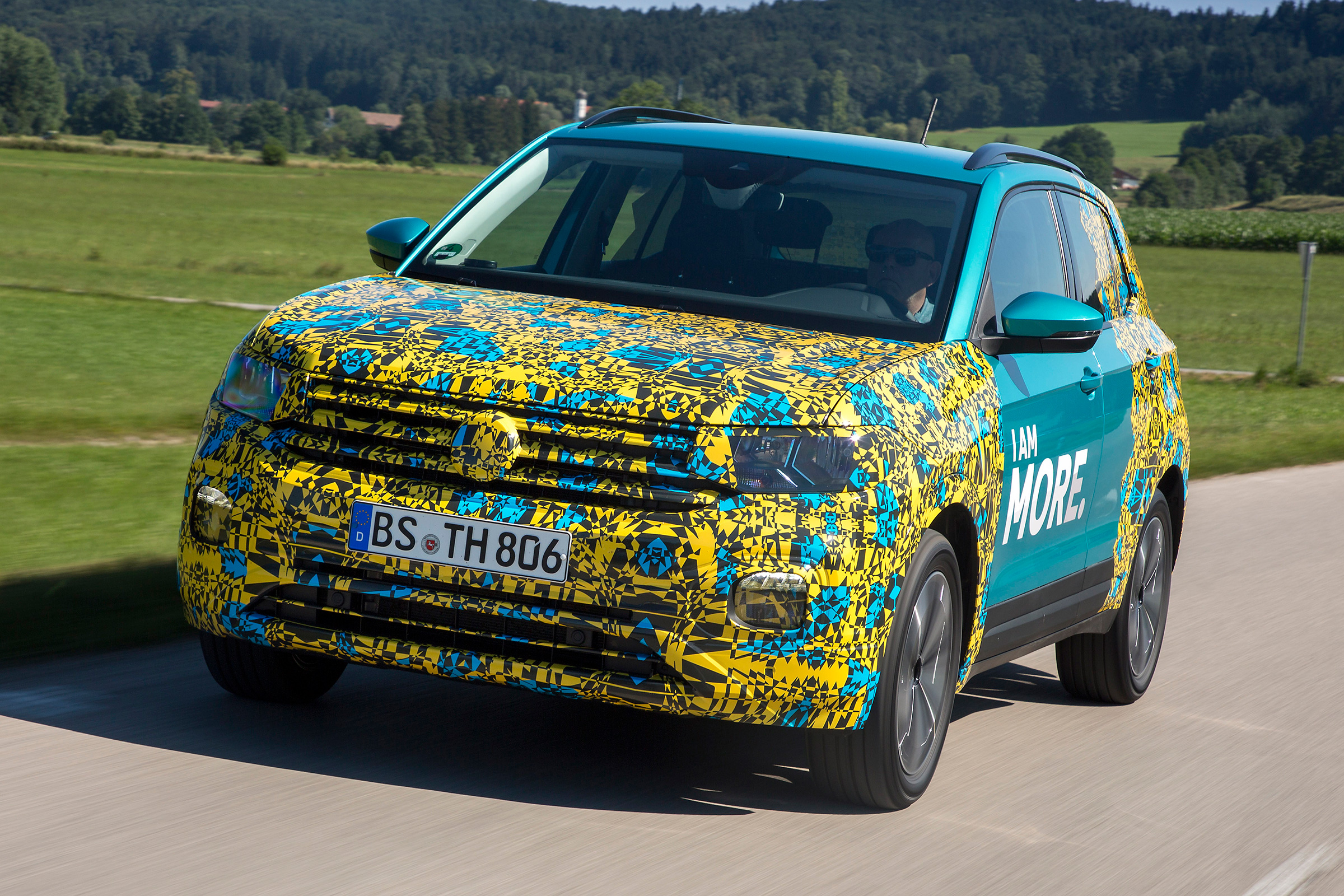 2019 Volkswagen T-Cross First Review Out