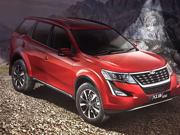 Mahindra launches the XUV 500 facelift