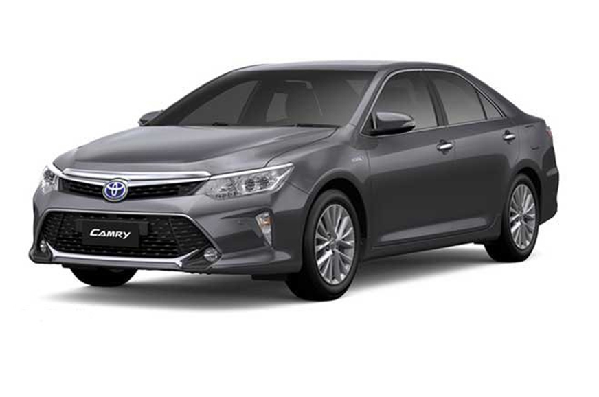 Toyota launches the 2018 Camry Hybrid in India