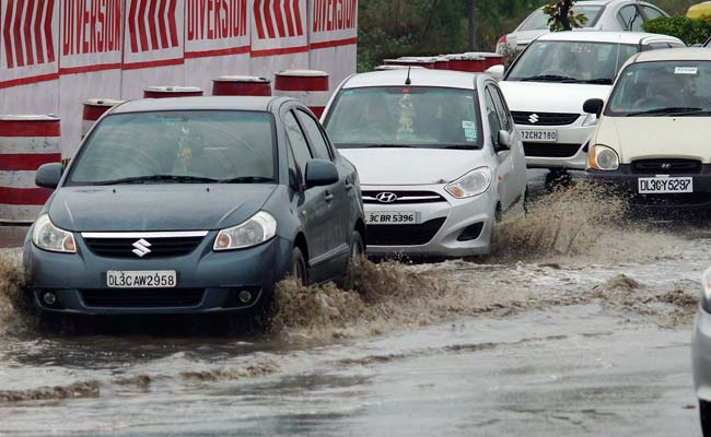 8 Tips for a safe drive in the monsoon season