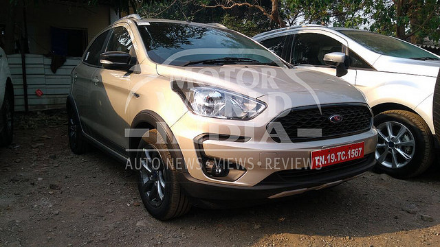 Ford Freestyle Spied at a Dealership